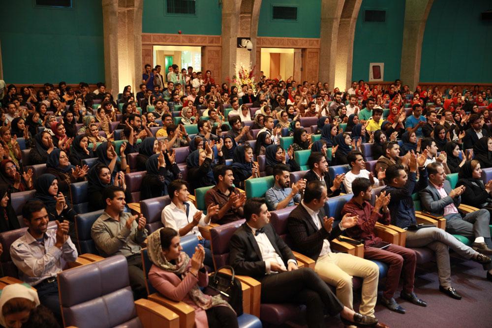 همایش نیوشانیک متعلق به گروه تجاری تایتان