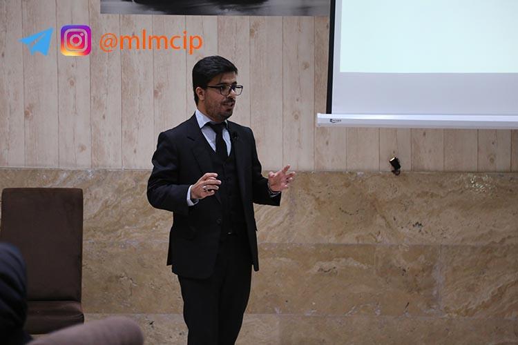 مدیر دپارتمان فن آوری و اطلاعات گروه توسعه مهر آقای دکتر طاهری